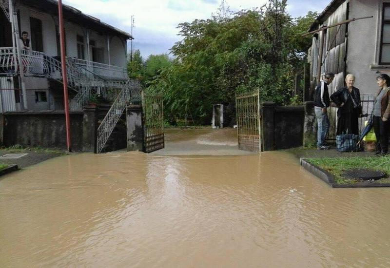 Сильный ливень затопил Кобулети