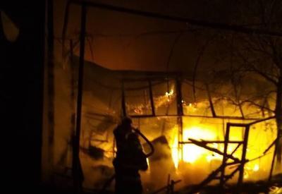 """В Грузии произошел крупный пожар на рынке <span class=""""color_red"""">- ФОТО</span>"""