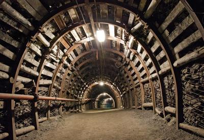 Грузинские шахтеры не выходят из шахты в знак протеста