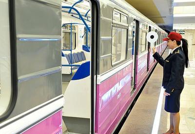 Сколько приходится ждать поезда в метро разных стран