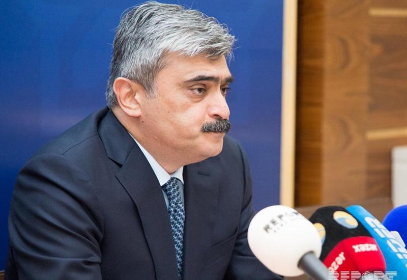 Самир Шарифов: На манат давят извне