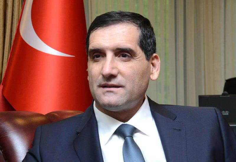 Я никогда не разделял Азербайджан и Турцию друг от друга. Оба - моя Родина