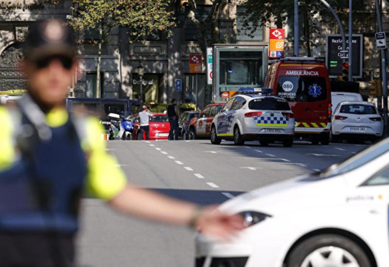В Барселоне автомобиль наехал на пешеходов, есть пострадавшие