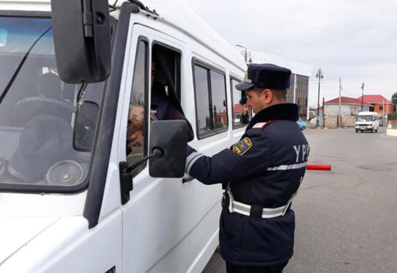 В Азербайджане водителям больше не нужно будет носить с собой права