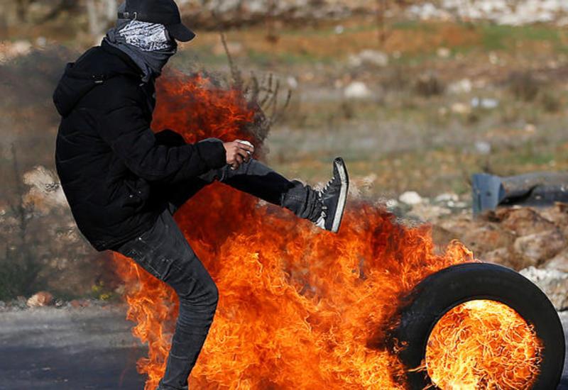 Палестинцы взорвали израильский автобус в Газе