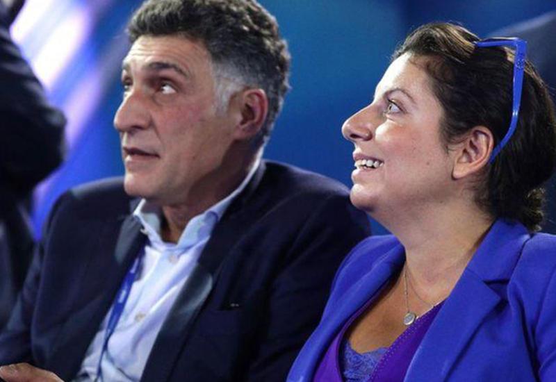Симоньян и ее муж устраивают армянский цирк