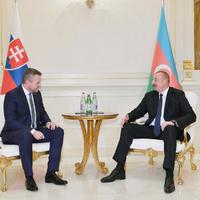 """Президент Ильхам Алиев: Азербайджано-словацкие отношения важны с точки зрения развития сотрудничества нашей страны с ЕС <span class=""""color_red"""">- ФОТО</span>"""