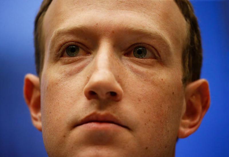 Цукерберг запретил сотрудникам Facebook пользоваться айфонами