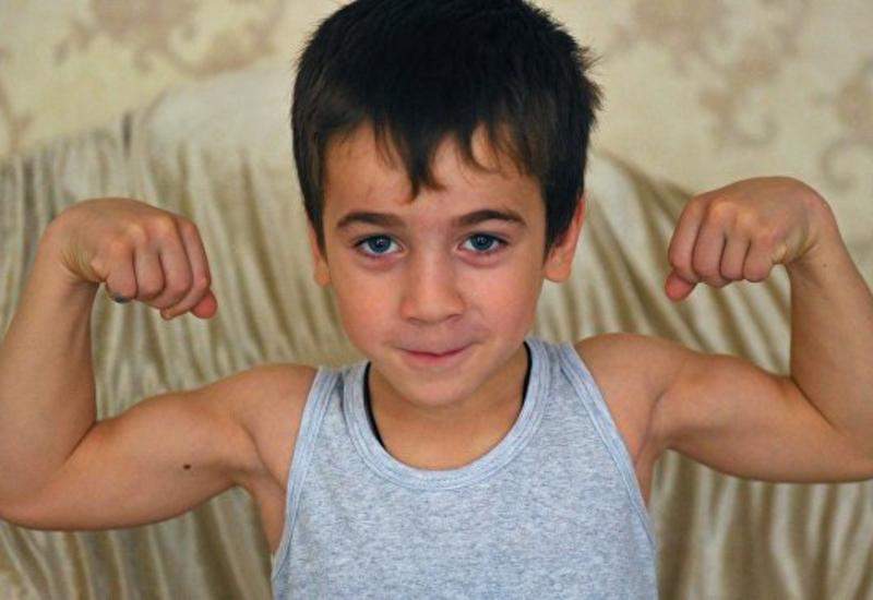 Отец мальчика-рекордсмена из Чечни поведал о своих планах на сына