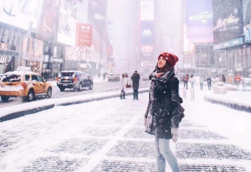 """Жители Нью-Йорка сняли коллапс в городе после сильного снегопада <span class=""""color_red"""">- ВИДЕО</span>"""