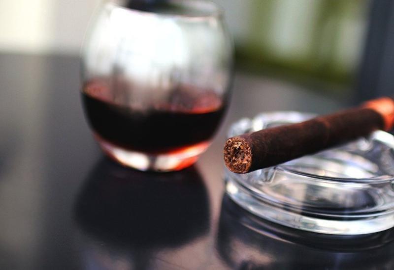 В Азербайджане изменились цены на алкоголь и сигареты