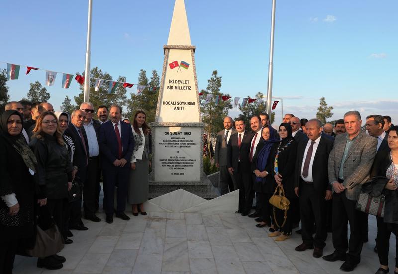 """В Турции открыли еще один памятник жертвам Ходжалы <span class=""""color_red"""">- ФОТО</span>"""