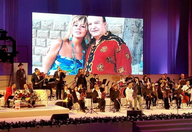 """Во Дворце Гейдара Алиева прошел юбилейный концерт Ялчына Рзазаде <span class=""""color_red"""">- ФОТО - ВИДЕО</span>"""
