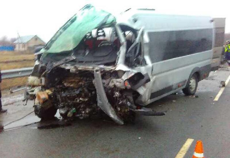 """СМИ: Автобус с азербайджанцами попал в ДТП в России, много пострадавших <span class=""""color_red"""">- ПОДРОБНОСТИ</span>"""