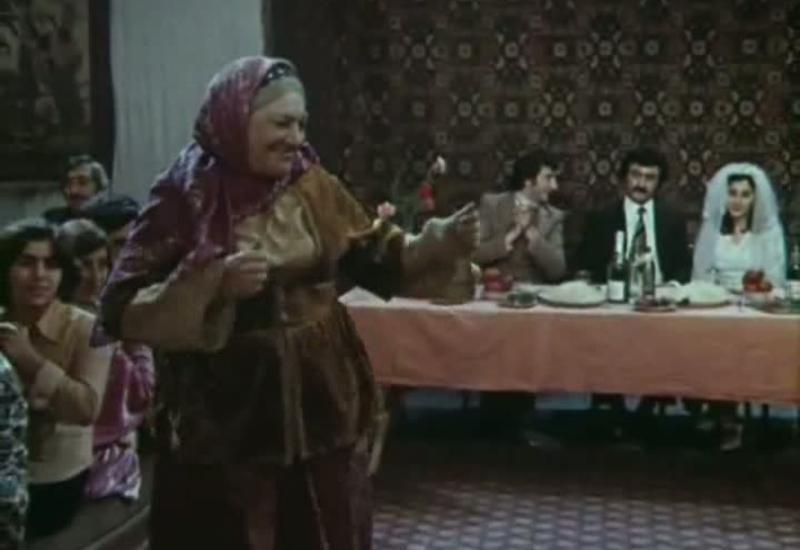 """Легенда азербайджанского кинематографа. """"Наше кино"""" - """"Я придумываю песню"""" <span class=""""color_red"""">- СМОТРИМ ONLINE</span>"""