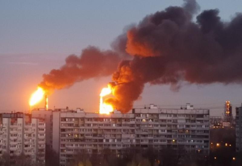 """Мощный пожар на НПЗ в Москве <span class=""""color_red"""">- ОБНОВЛЕНО - ВИДЕО</span>"""