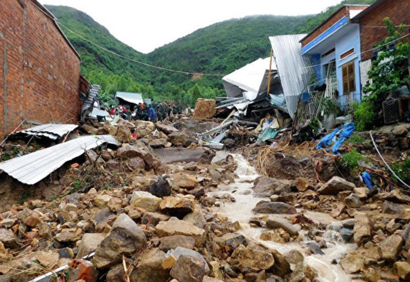 Тропический шторм убил 12 человек во Вьетнаме