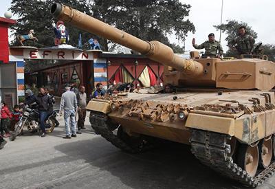 Турецкий спецназ проводит операцию против боевиков в сирийском Африне