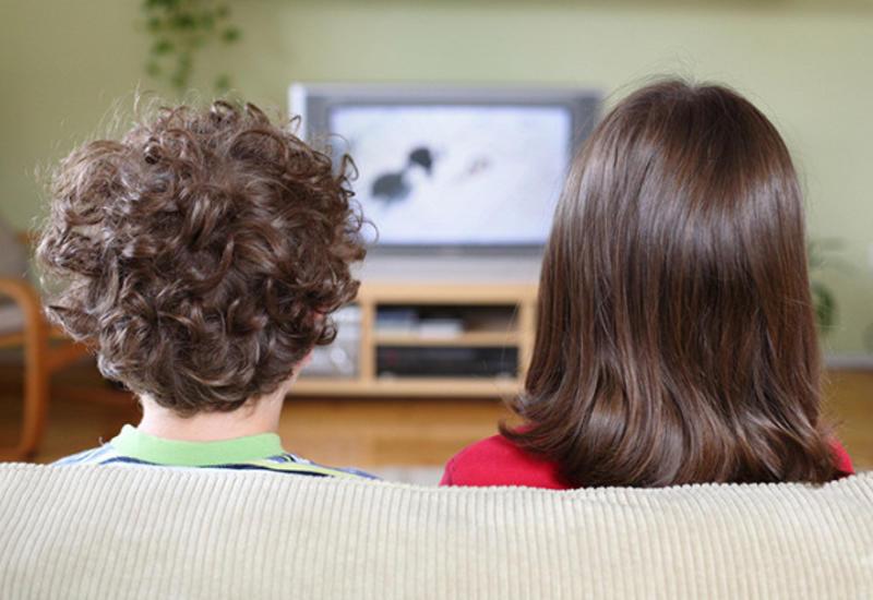 Почему тысячи британцев досихпорсмотрят черно-белые телевизоры?