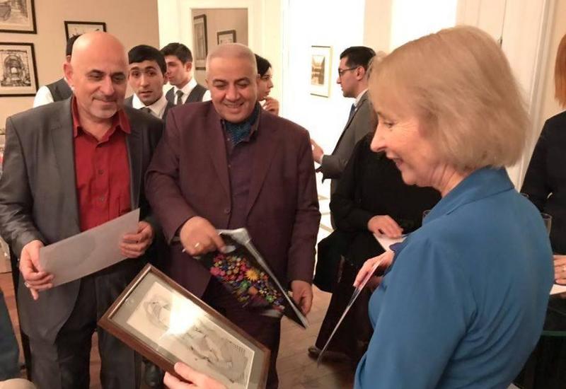 """Азербайджанские художники в гостях у британского посла <span class=""""color_red"""">- ФОТО</span>"""