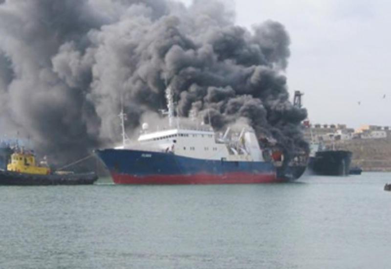 У берегов Греции загорелось турецкое грузовое судно
