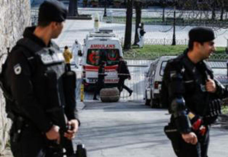 В Турции неизвестный открыл огонь по прохожим