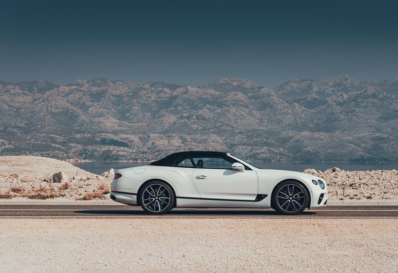 Новый Bentley Continental GT с твидовой крышей