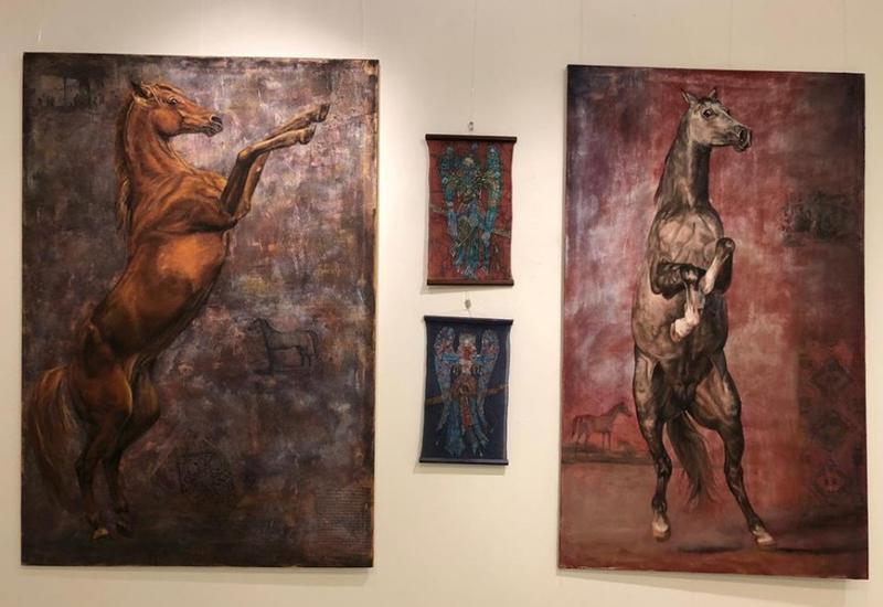 В Финляндии состоялась выставка картин Даце Штраус «Карабахские скакуны»