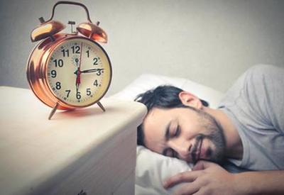 Ученые вычислили опасную дляздоровья дозу сна