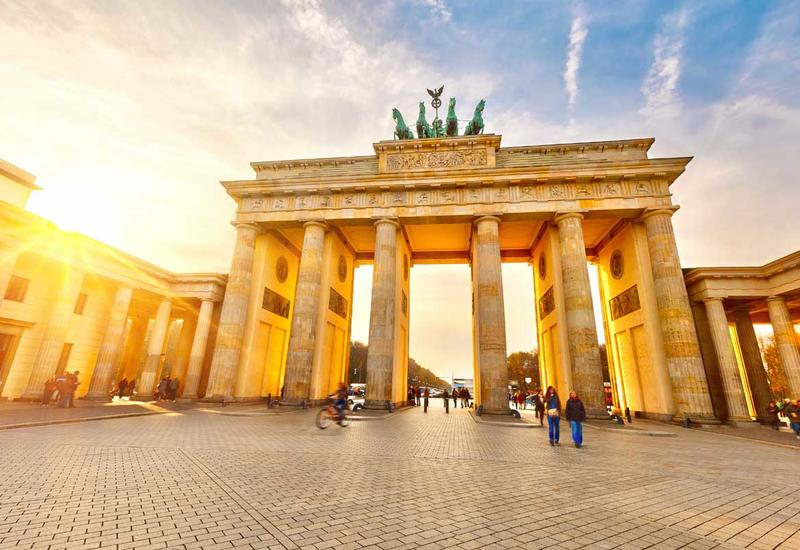 В Германии пересмотрят политику Меркель по мигрантам