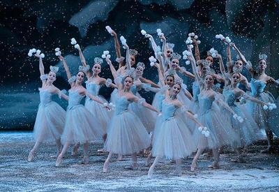 КультГид Lady.Day.Az: В канун Нового года смотрим балет «Щелкунчик»