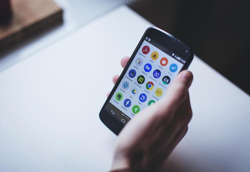 "Google прекратила поддержку ""Play маркета"" на старой ОС Android"