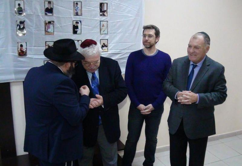 """Михаил Гусман побывал в бакинской еврейской школе <span class=""""color_red"""">- ФОТО</span>"""