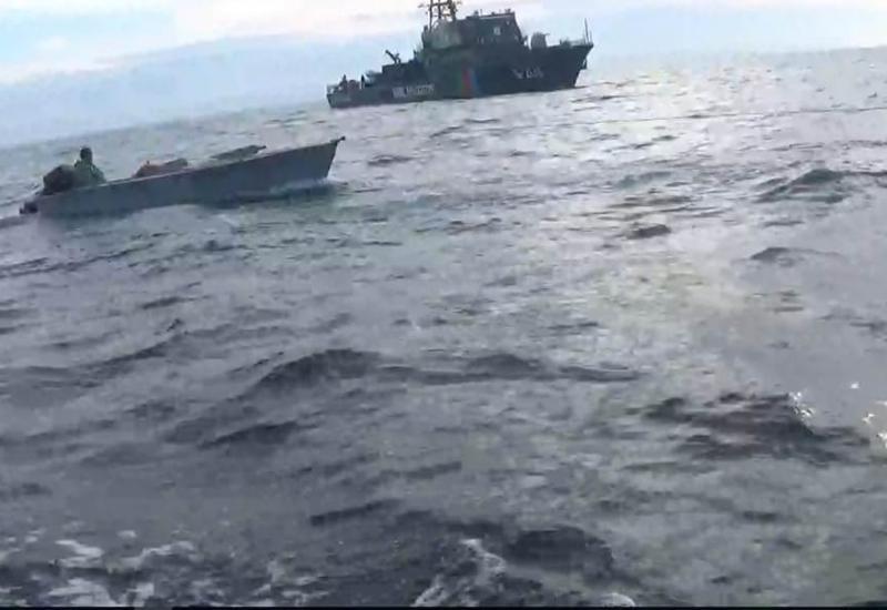 """На Каспии спасли терпящих бедствие рыбаков <span class=""""color_red"""">- ФОТО</span>"""
