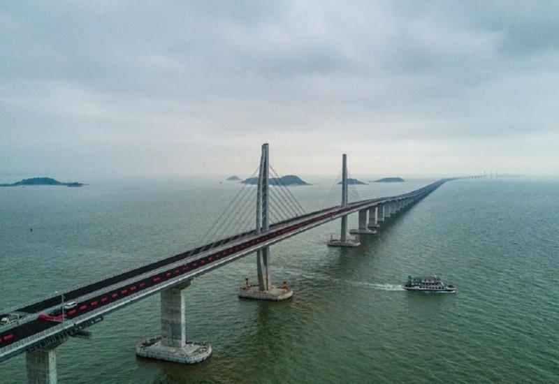 В Китае завершили строительство моста с самым длинным в мире пролетом
