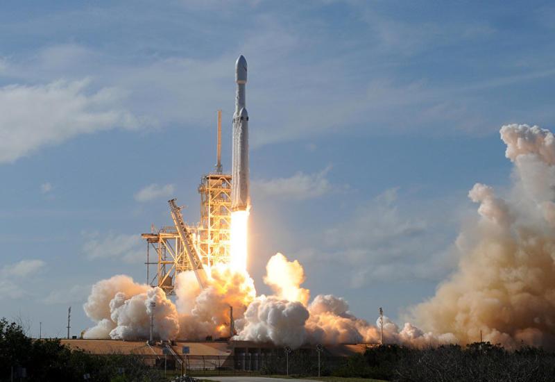 Казахстанская компания запускает спутник ракетой Маска