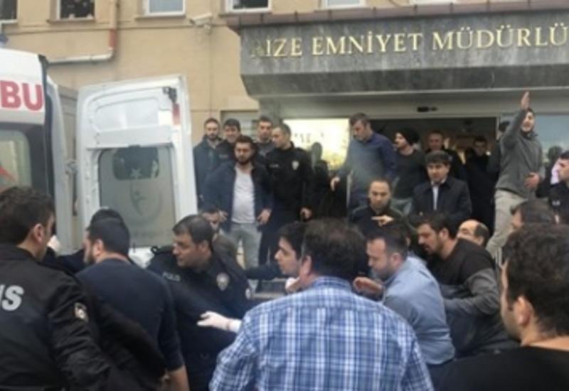 В Турции полицейский расстрелял главу управления и других сослуживцев