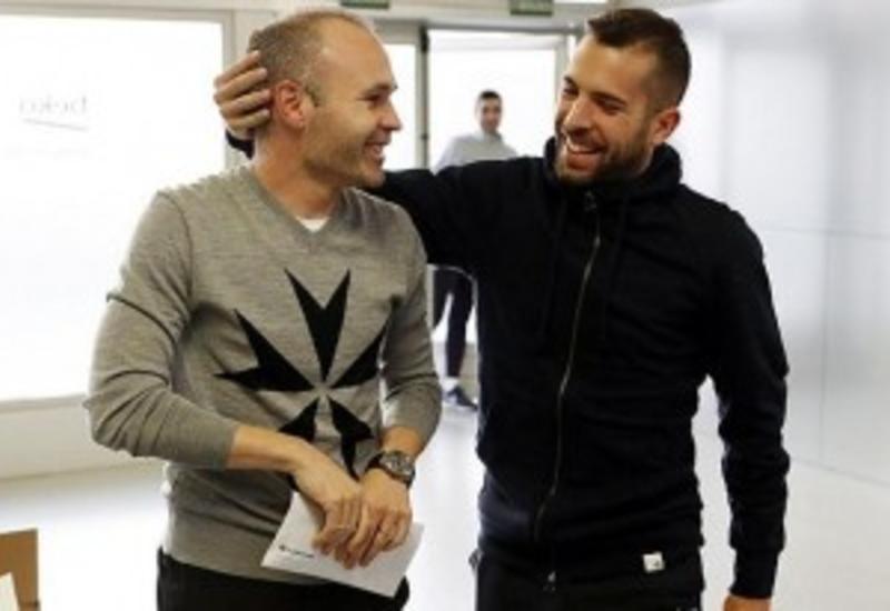 """Иньеста вернулся в «Барселону» <span class=""""color_red"""">- ВИДЕО</span>"""