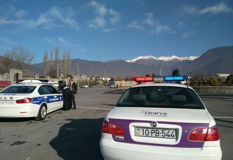 """Рейды полиции в Шеки, оштрафованы десятки водителей <span class=""""color_red"""">- ФОТО</span>"""