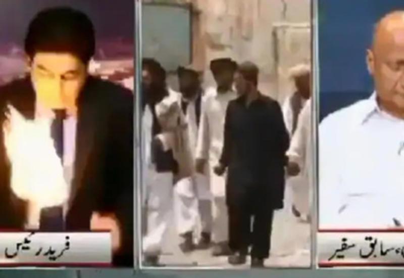 """Огненный шар в пакистанской телестудии испугал ведущего и сорвал прямой эфир <span class=""""color_red"""">- ВИДЕО</span>"""