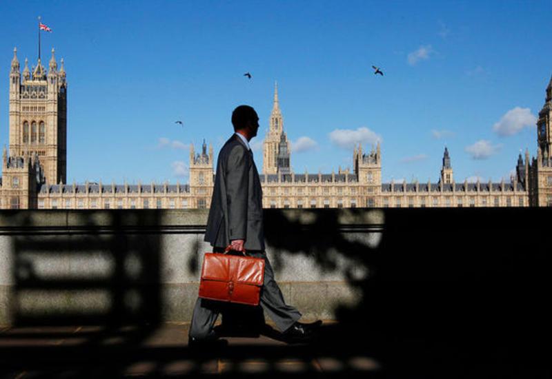 Неизвестный попытался проникнуть в британский парламент