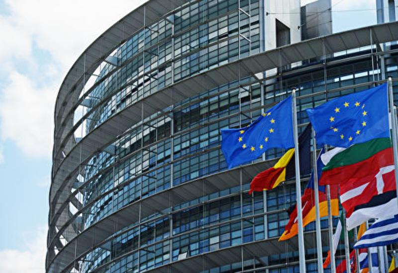 """Европарламент предложил создать """"черный список"""" радикальных проповедников"""