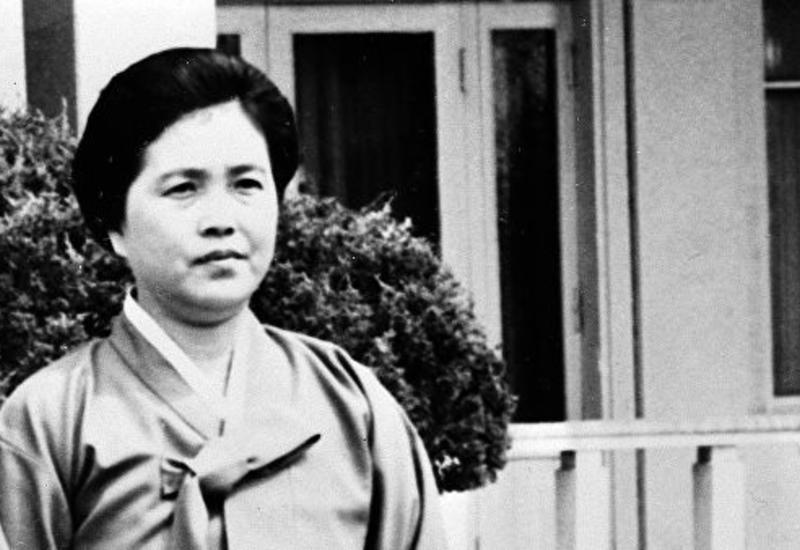 В Южной Корее сообщили о смерти второй жены основателя КНДР
