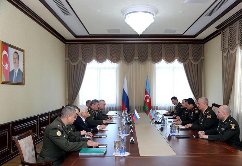 Наджмеддин Садыков на переговорах с начальником Генштаба ВС России