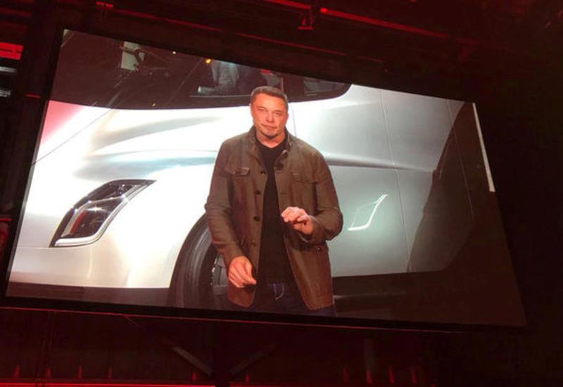Tesla решила взыскать с экс-сотрудника $167 млн за общение с журналистами