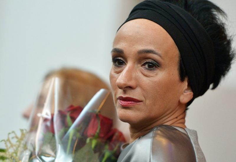 У художницы Айдан Салаховой украли картины, похититель задержан