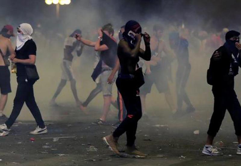 "Франция потеряла на беспорядках миллиард <span class=""color_red""> - ПОДРОБНОСТИ</span>"