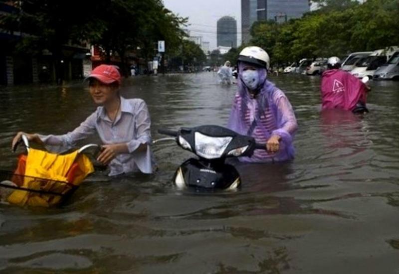 Сильные наводнения во Вьетнаме унесли жизни 14 человек