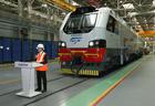 Казахстан отправил в Азербайджан первый грузовой локомотив Prima T8