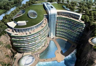 """Вот как выглядит отель в карьере, уходящий под землю на целых 90 метров <span class=""""color_red"""">- ВИДЕО</span>"""